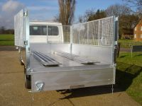All alloy tipping body. Removable cages and rear doors.