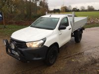 Toyota Hilux Single cab. All alloy Tipping body.Removable side/rear cages